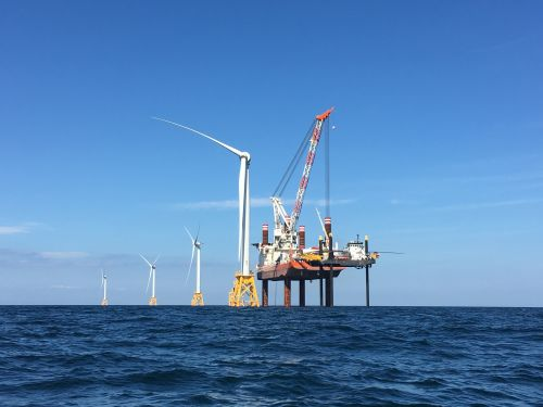 Vineyard's Delay Exposes Challenges for Fast-Moving US Offshore Wind Market