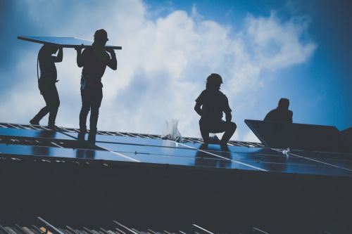 US Solar Industry's Top Jobs Remain Dominated by White Men